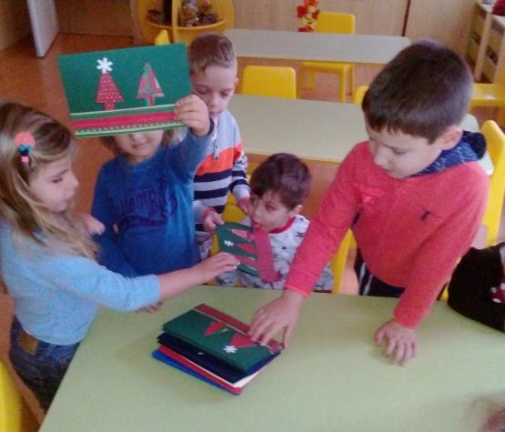 """Коледни картички от децата от детска градина """"Litlle star"""" в Швеция"""
