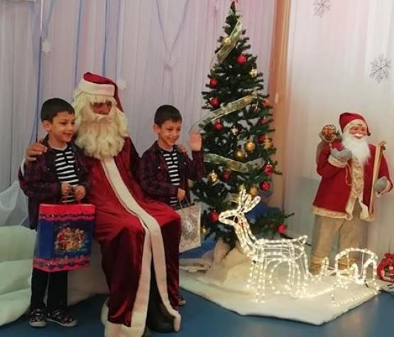 Голямото посрещане на Дядо Коледа - празнично детско тържество