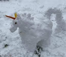 Пролетни игри-фигури от сняг